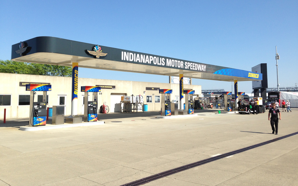 indy 2016 gas station